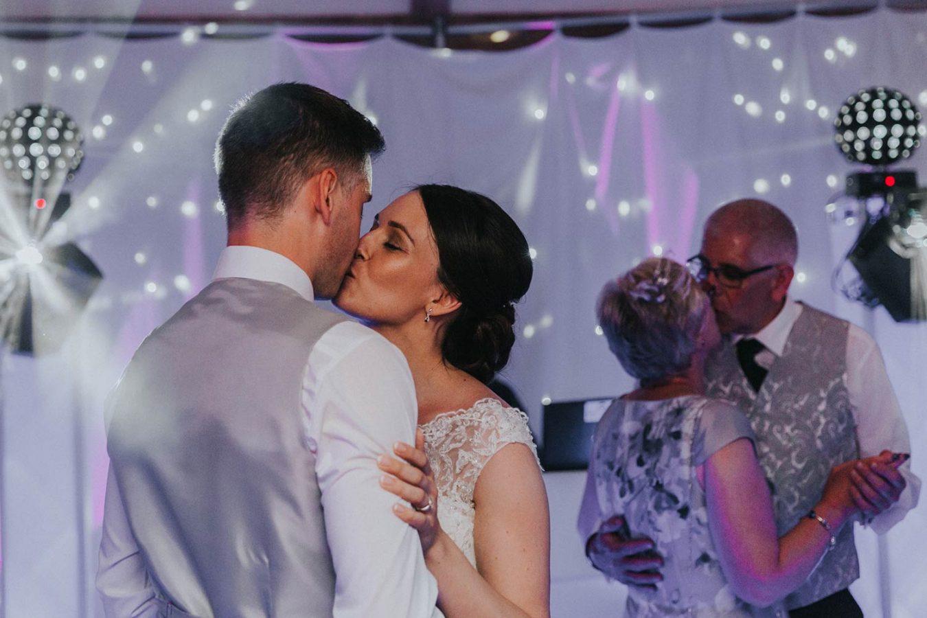 vaulty-manor-wedding-photography-118