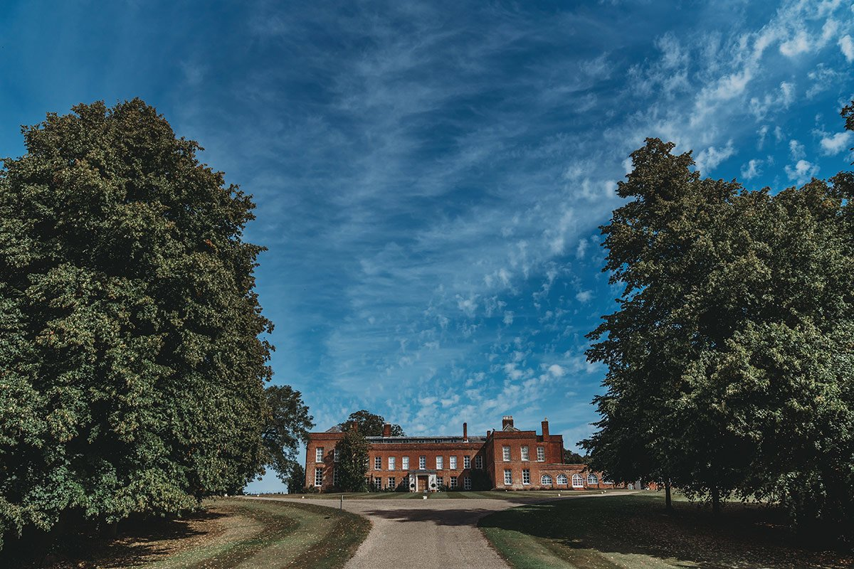 braxted-park-summer-wedding-photography-010