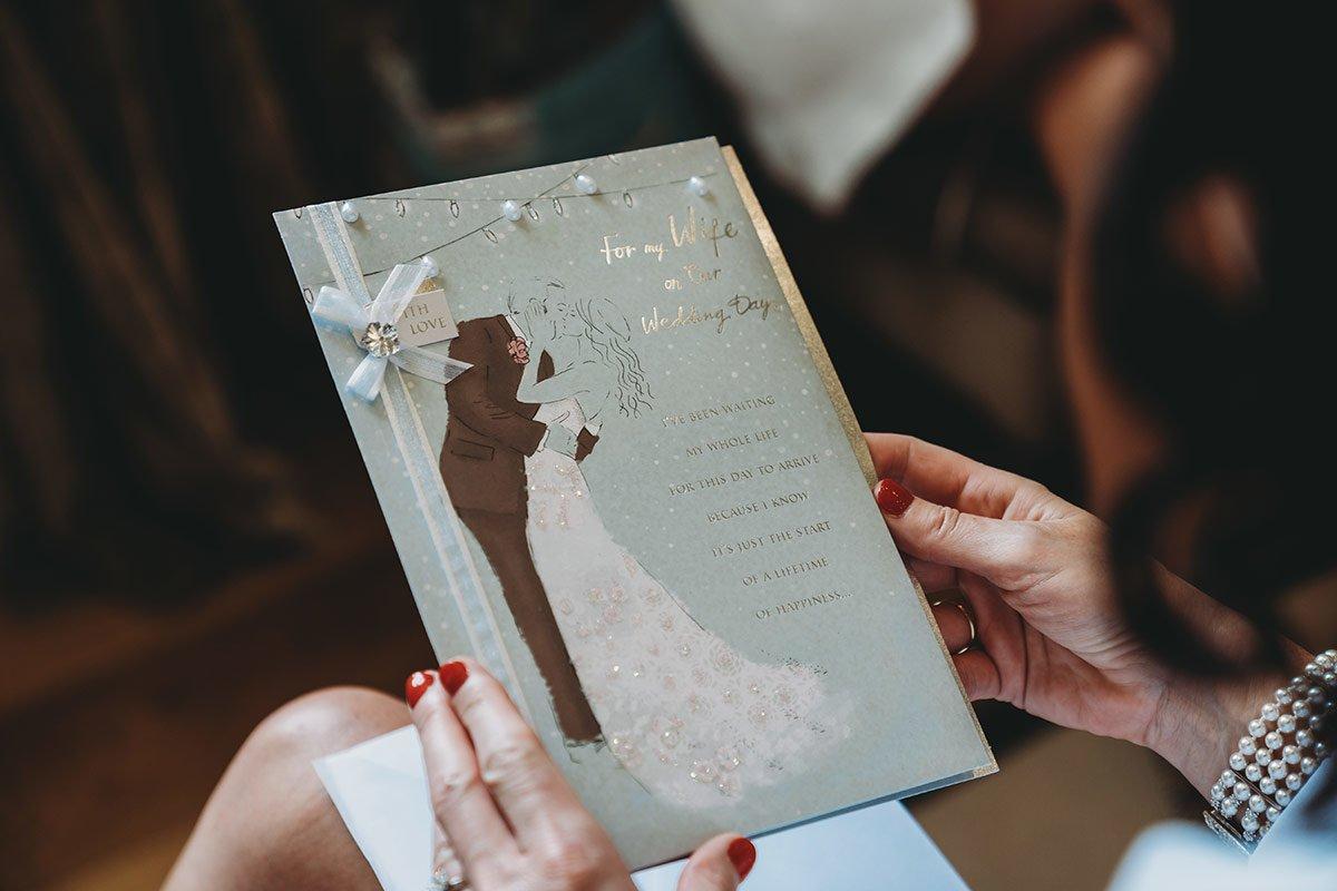 braxted-park-summer-wedding-photography-016