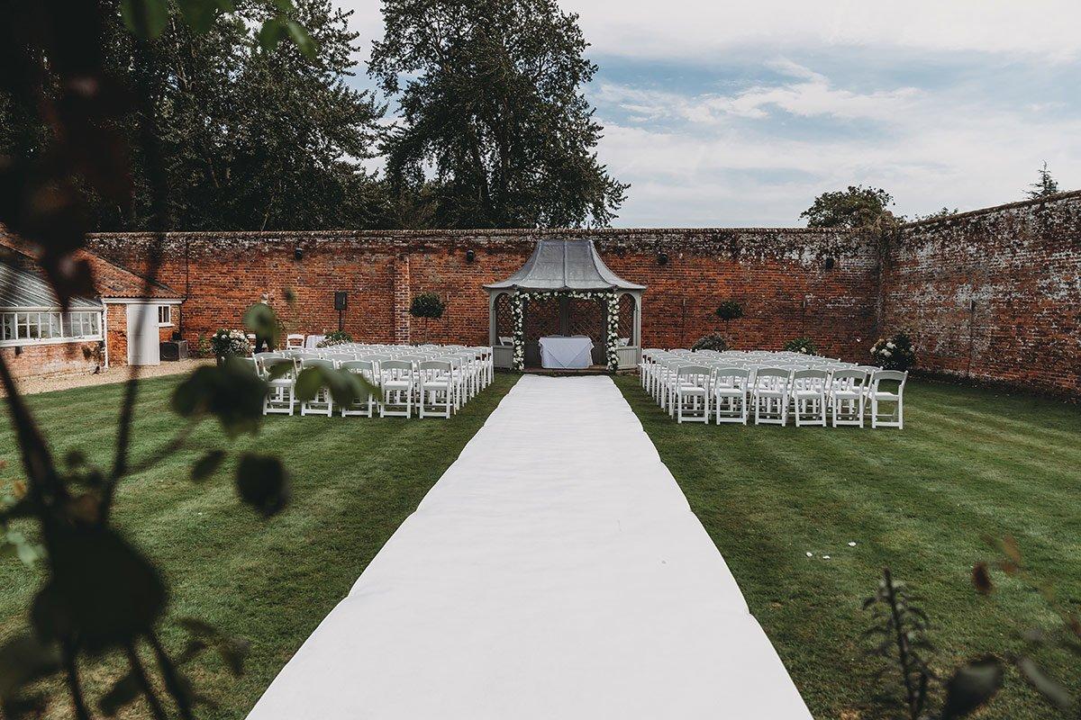 braxted-park-summer-wedding-photography-033
