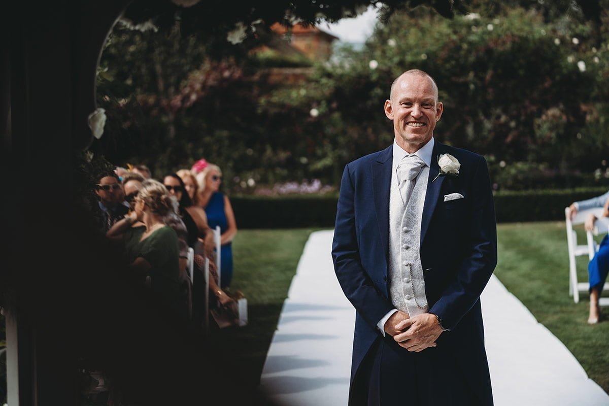 braxted-park-summer-wedding-photography-042