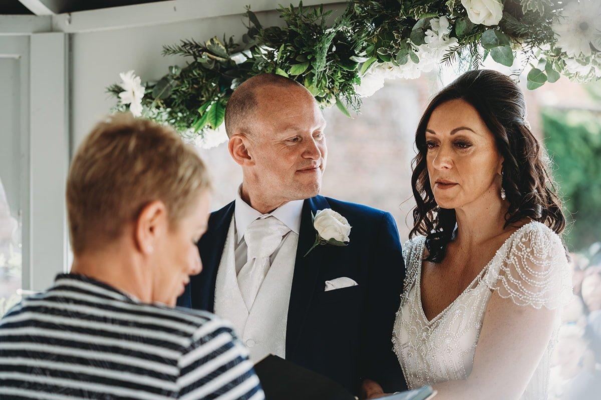 braxted-park-summer-wedding-photography-048